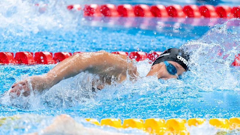 """Pronti, via e il programma del nuoto al Tokyo Aquatics Centre si apre con Federica Pellegrini che realizza il sogno nei 200 stile libero. La divina Fede va a tutto gas dalla corsia 8 della seconda semifinale e chiude in 1'56""""44 (57"""