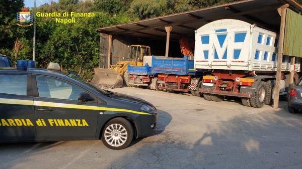 Area flegrea, gestione illecita di rifiuti edili: quattro misure cautelari