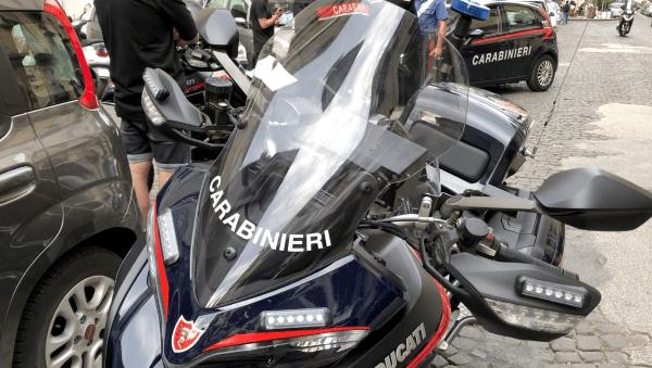 Rione Sanità, controlli dei Carabinieri: in un mese 491 scooter sequestrati e fermati