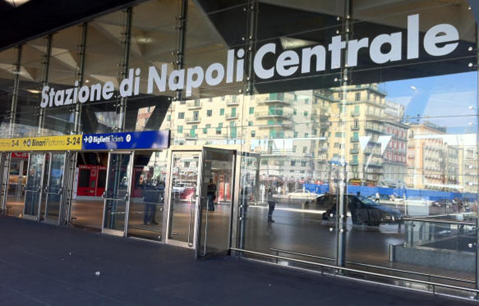 No green pass a Napoli, la manifestazione è un flop