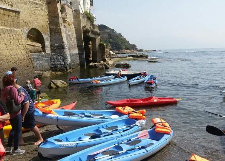 A Marechiaro il tour in kayak con aperitivo