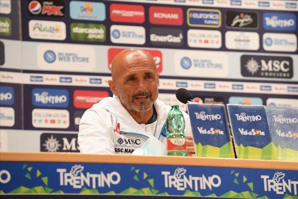 Calcio Napoli, Spalletti incontra i tifosi a Dimaro: con lui Demme e Politano