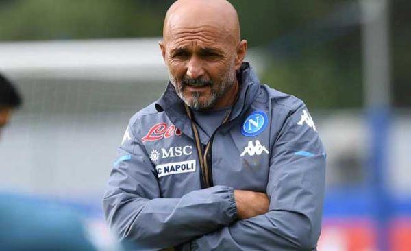 Calcio Napoli, iniziato il ritiro di Dimaro: calciomercato ancora fermo