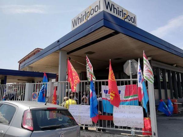 Whirlpool di Napoli: proteste all'aeroporto di Capodichino contro i licenziamenti