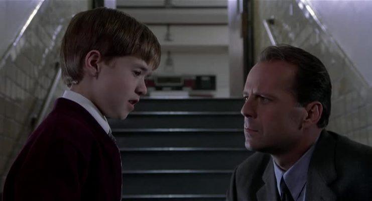 """""""The Sixth Sense - Il sesto senso"""" Iris. I film in tv venerdì 2 luglio"""
