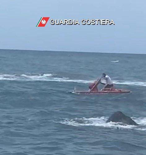 ISCHIA: soccorso un bagnante in mare a