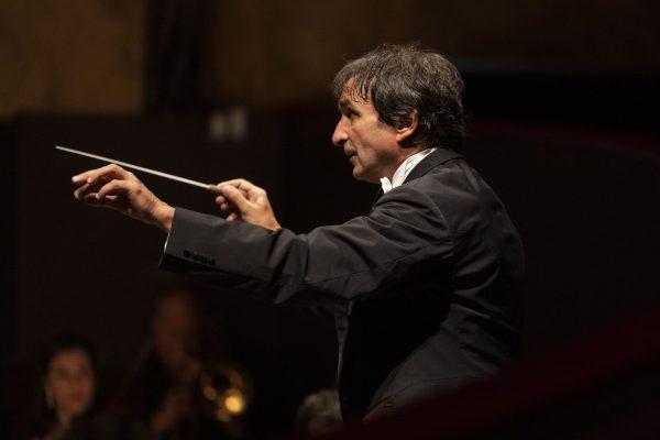 Il Teatro San Carlo riparte con il concerto diretto da Marco Armiliato