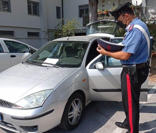 Pontelandolfo, ladri abbandonano auto e scappano: stavano per derubare una tabaccheria
