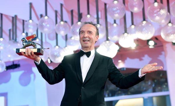 Venezia 78: standing ovation per il Leone d'Oro alla Carriera a Roberto Benigni