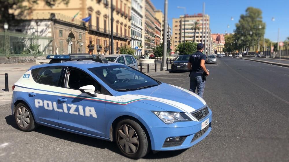 Napoli, rapina ad una tabaccheria alla Riviera di Chiaia. Arrestato 35enne