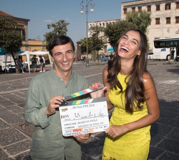 In fila per due: Andrea Di Maria e Francesca Chillemi sul set del film di Bruno De Paola