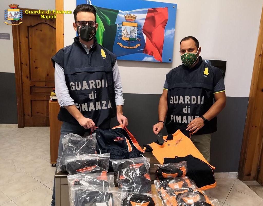 Fabbriche del falso a Napoli: scattano i sequestri