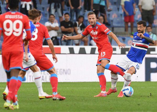 Uragano Napoli anche contro la Sampdoria: 4-0 a Marassi