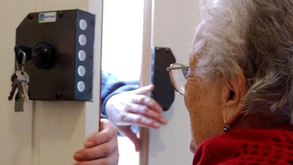Boscotrecase, truffa 79enne: arrestata falsa postina