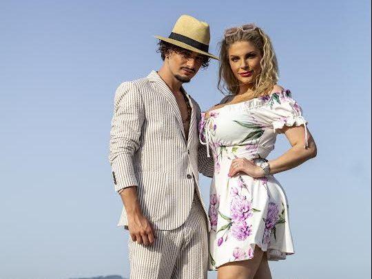 """Francesca Cipriani e Sasy Pisanti hanno inciso la canzone """"Scappiamo via dal mondo"""""""