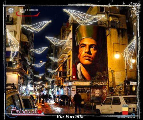 Le luminarie di Natale a Napoli da Scampia a Barra: illuminate 140 chilometri di strade e 36 piazze [FOTO]