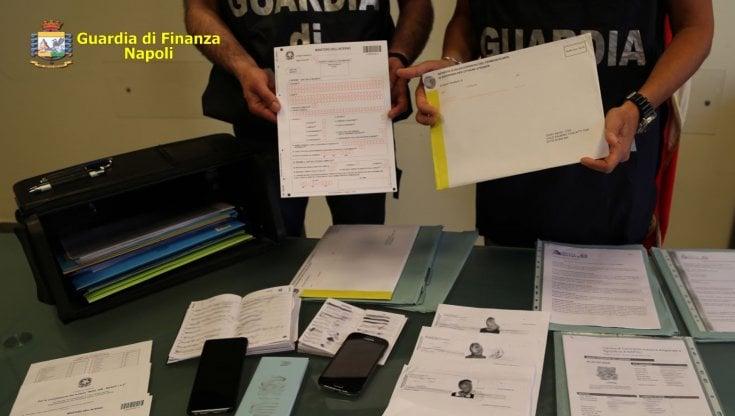 Antiterrorismo a Napoli, arrestati 7 pakistani
