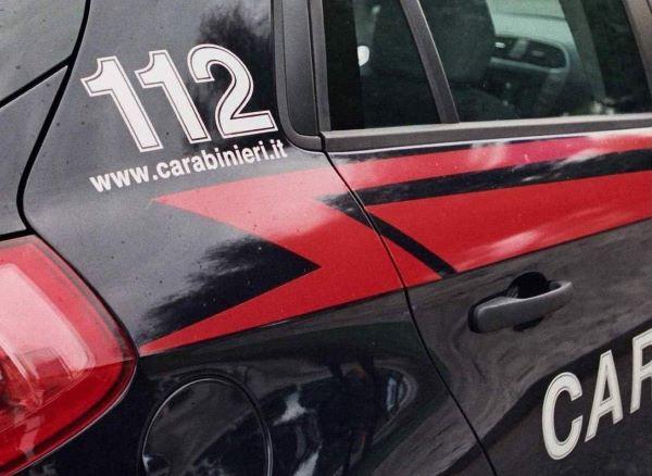 Ubriaco, litiga e prende a pugni la moglie: arrestato dai Carabinieri di Lioni