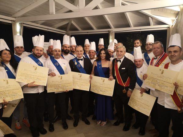 Successo per la consegna delle fasce blu ai pizzaioli nuovi discepoli Escoffier