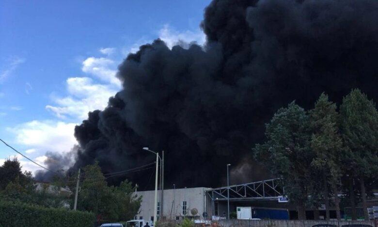 Vasto incendio a Benevento: Nube tossica anche su Napoli