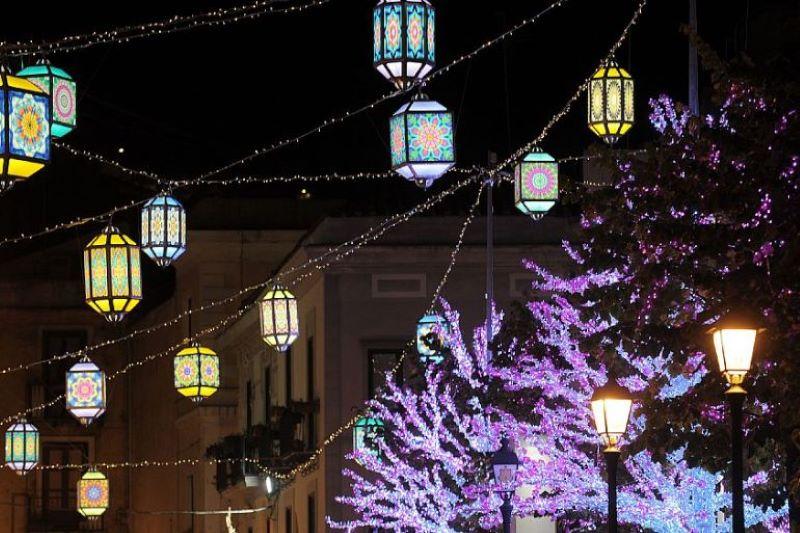 Luci d'Artista a Salerno: prosegue l'installazione delle luminarie