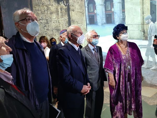 """Teatro Trianon Viviani: inaugurata la """"Stanza delle Meraviglie"""""""
